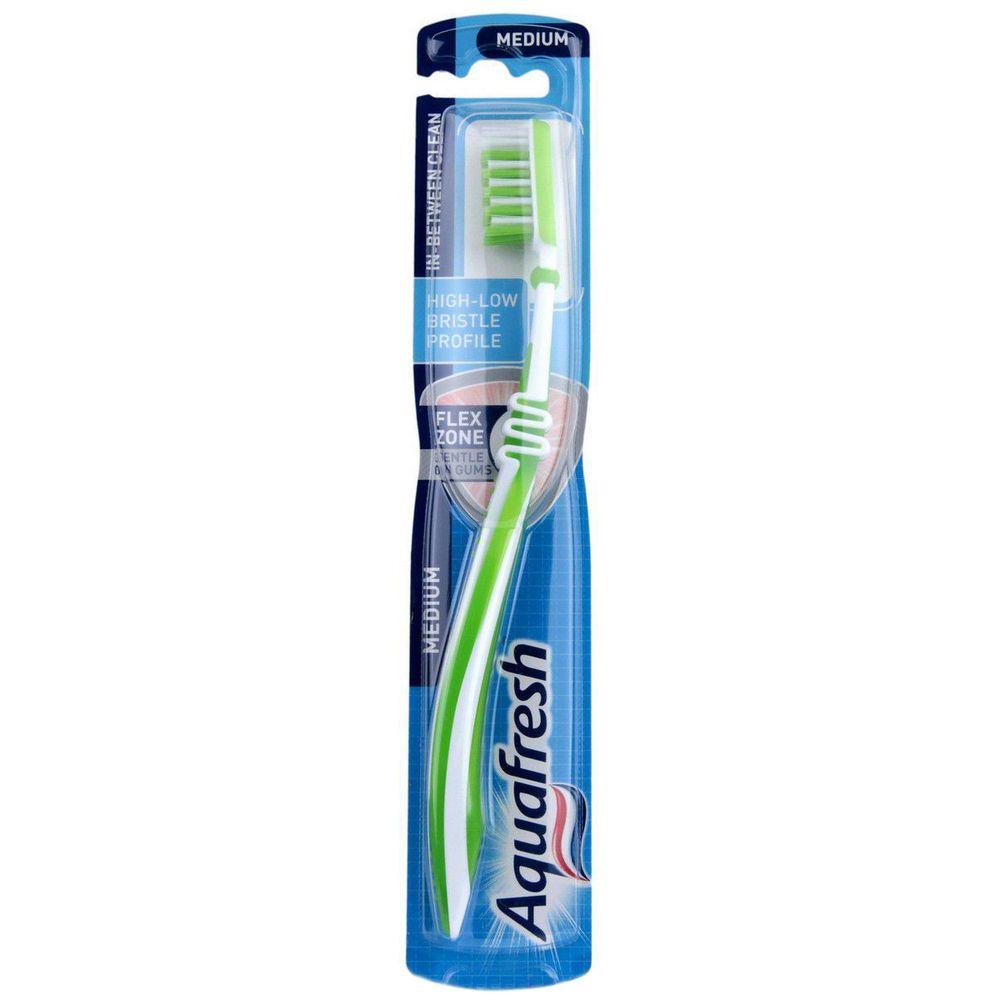 Аквафреш зубная щетка Инбитвин средняя